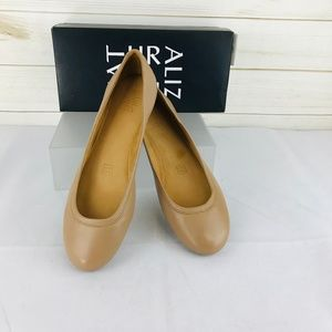 NWT Naturalizer Brittany Chai Leather Flats
